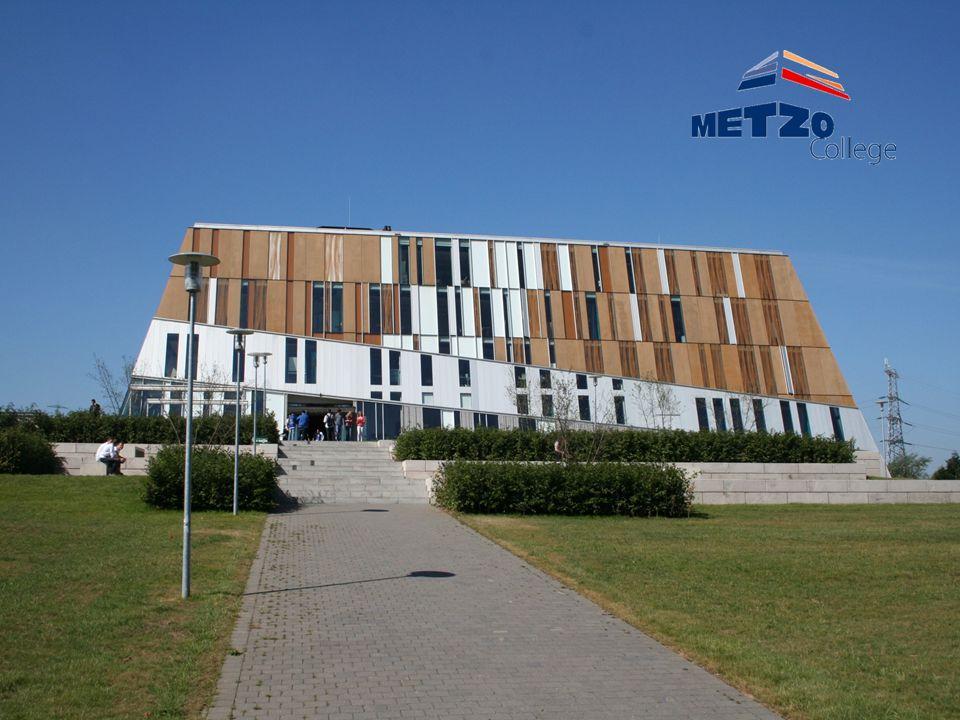 Wie zijn wij •150 medewerkers •1160 leerlingen •Sectoren: –Techniek (bouwtechniek en MEVI) –Economie (ook consumptief) –Zorg & Welzijn (zorg en uiterlijke verzorging) –MAVO beroepsgericht