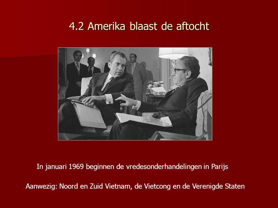 Vredesbesprekingen in Parijs, januari 1969 Eisen Noord- Vietnam: Alle Amerikaanse troepen weg De Vietcong in een nieuwe Zuid-Vietnamese regering Nationale verkiezingen Noord-Vietnam stelt hier niets tegen over Voorstel Nixon: Wapenstilstand Beiden partijen trekken binnen een jaar troepen terug uit Zuid- Vietnam Noord- Vietnam en de Vietcong moeten Zuid- Vietnam met rust laten Nixon laat in het geheim aan Ho Chi Minh de boodschap overbrengen dat er vreselijke dingen zouden gebeuren als er niet snel een overeenkomst zou komen