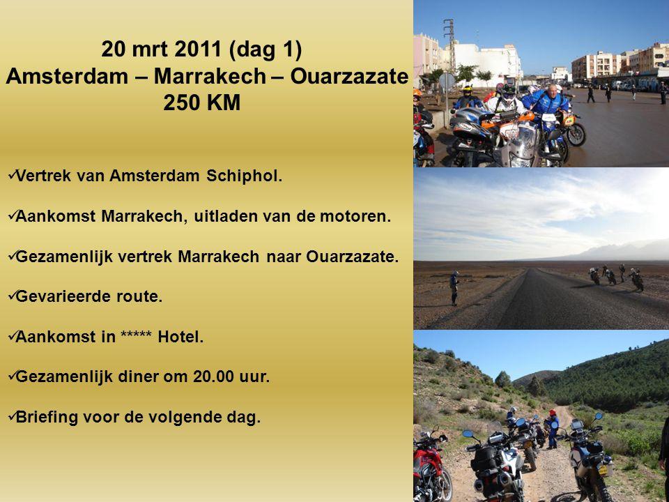 Vertrek van Amsterdam Schiphol.Aankomst Marrakech, uitladen van de motoren.