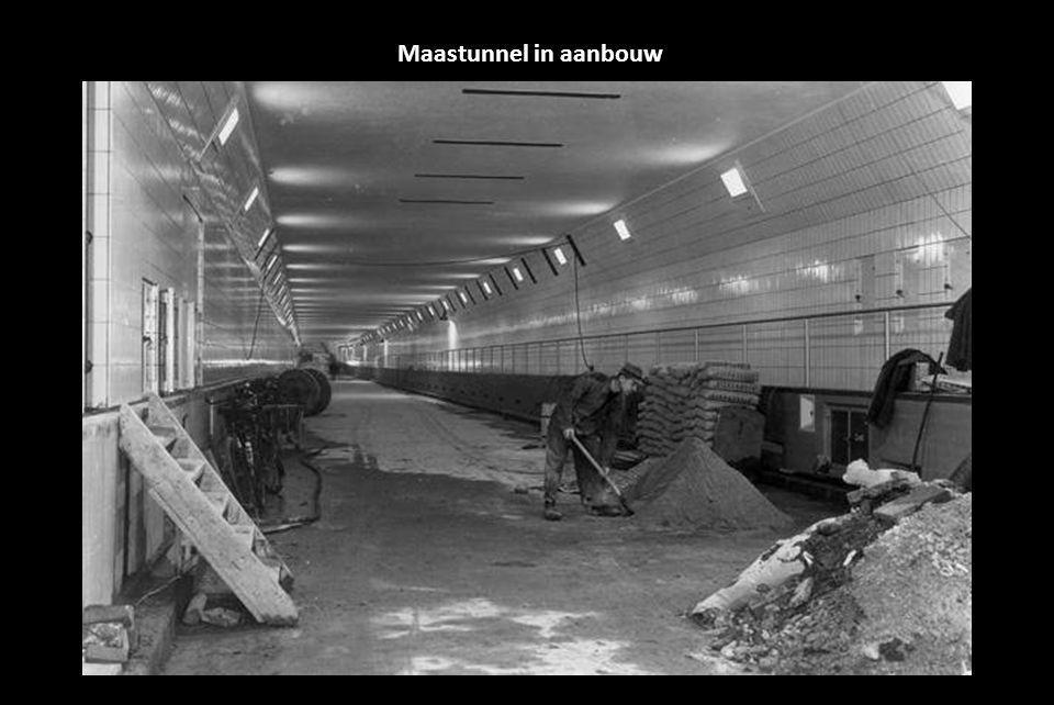 Maastunnel in aanbouw