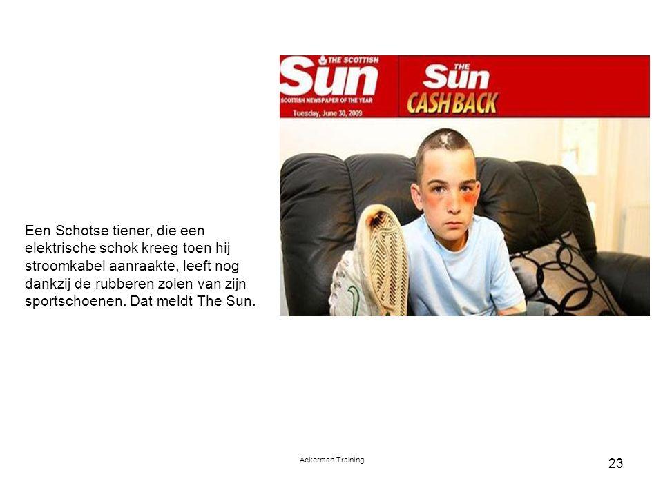 Een Schotse tiener, die een elektrische schok kreeg toen hij stroomkabel aanraakte, leeft nog dankzij de rubberen zolen van zijn sportschoenen. Dat meldt The Sun.