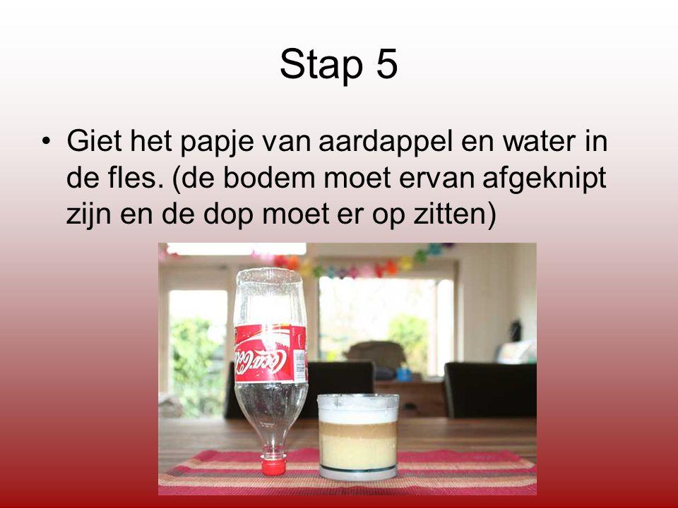 Stap 5 Giet het papje van aardappel en water in de fles.