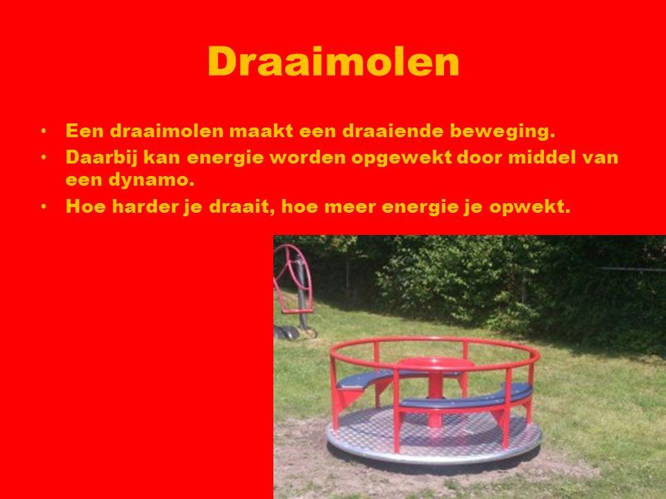 Draaimolen Een draaimolen maakt een draaiende beweging.