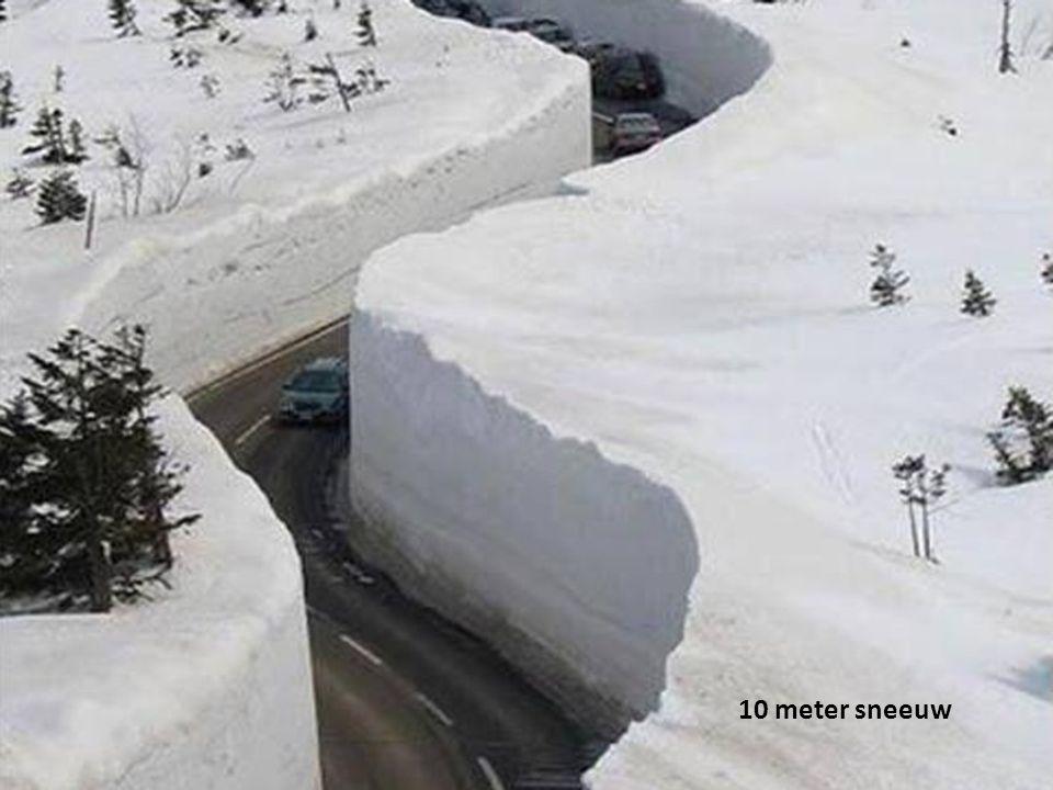 10 meter sneeuw