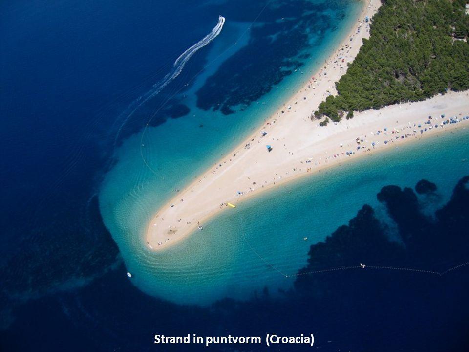 Strand in puntvorm (Croacia)