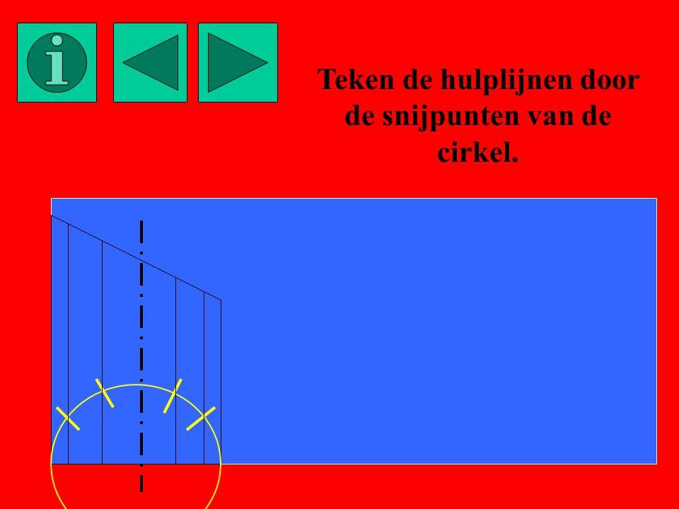 Teken de hulplijnen door de snijpunten van de cirkel.