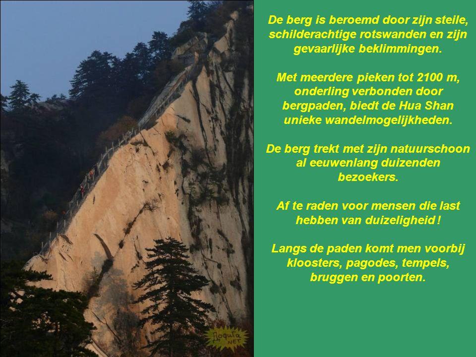 De berg trekt met zijn natuurschoon al eeuwenlang duizenden bezoekers.