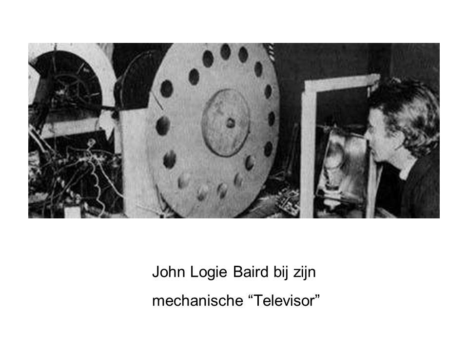 John Logie Baird bij zijn mechanische Televisor