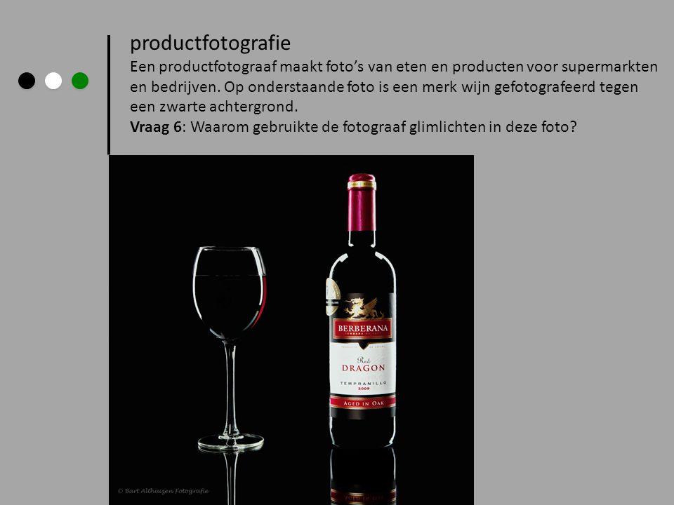 productfotografie Een productfotograaf maakt foto's van eten en producten voor supermarkten.