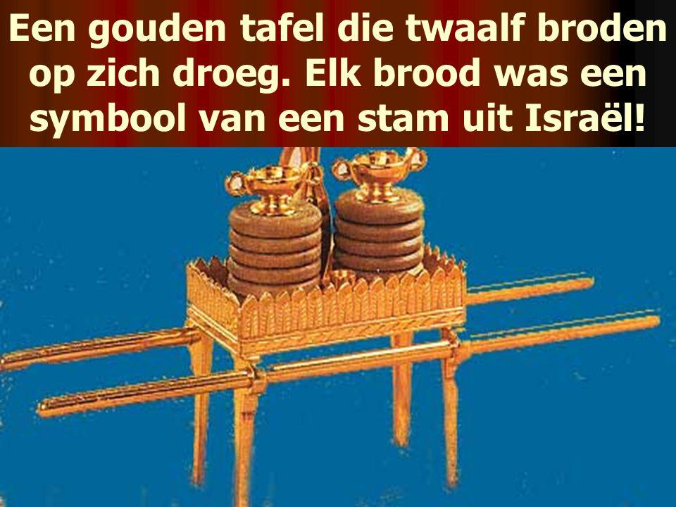 Een gouden tafel die twaalf broden op zich droeg