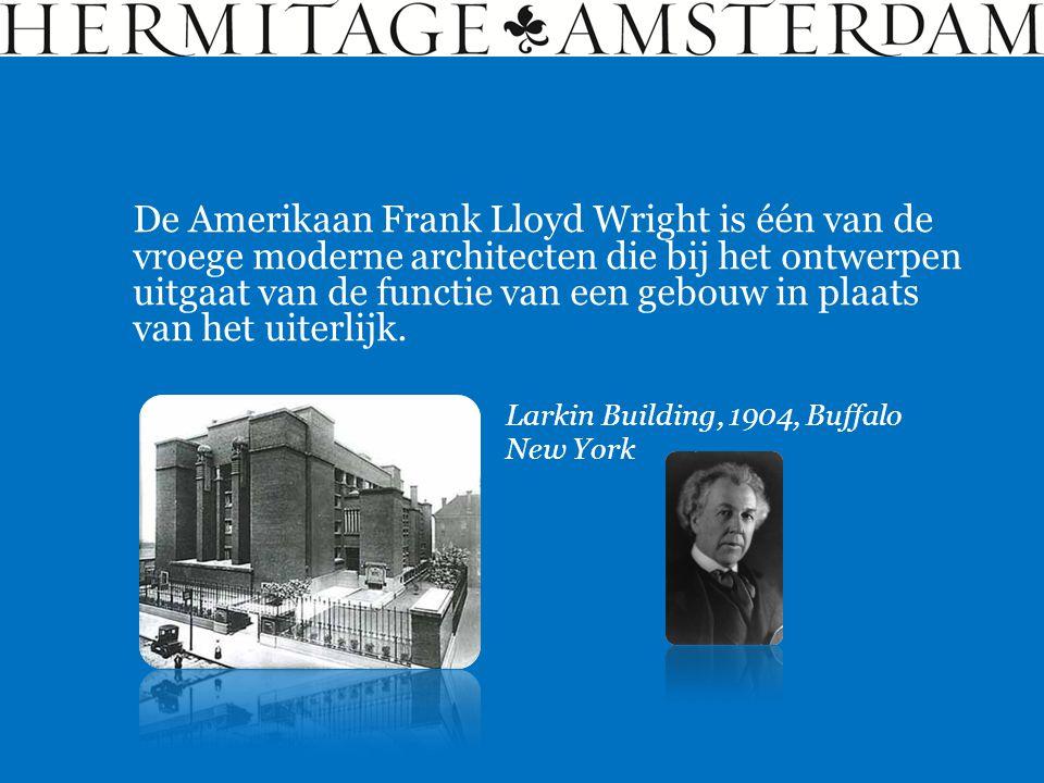 De Amerikaan Frank Lloyd Wright is één van de vroege moderne architecten die bij het ontwerpen uitgaat van de functie van een gebouw in plaats van het uiterlijk.