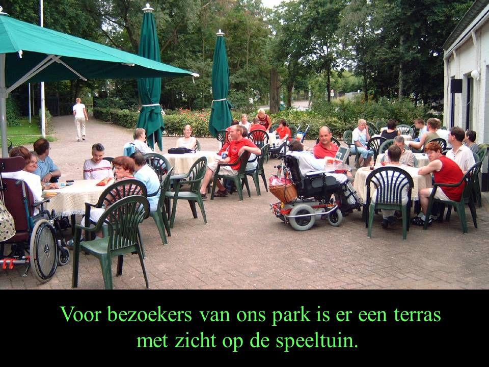Voor bezoekers van ons park is er een terras