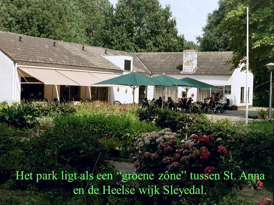 Het park ligt als een groene zône tussen St. Anna