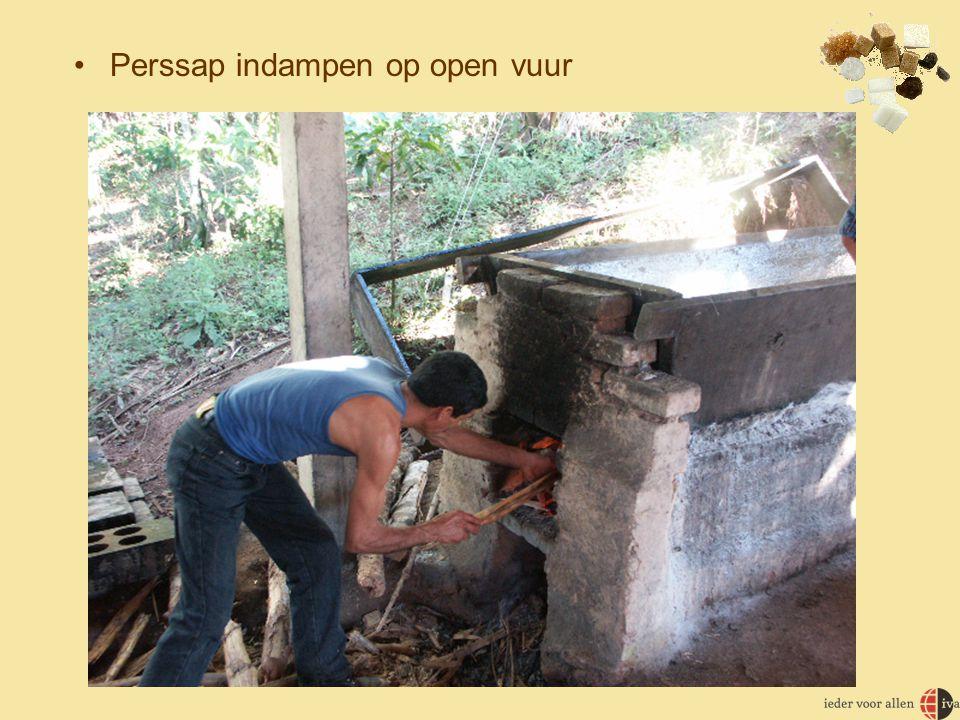 Perssap indampen op open vuur