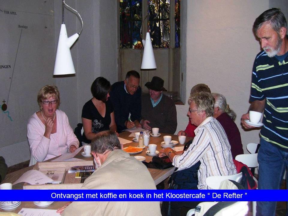 Ontvangst met koffie en koek in het Kloostercafe De Refter