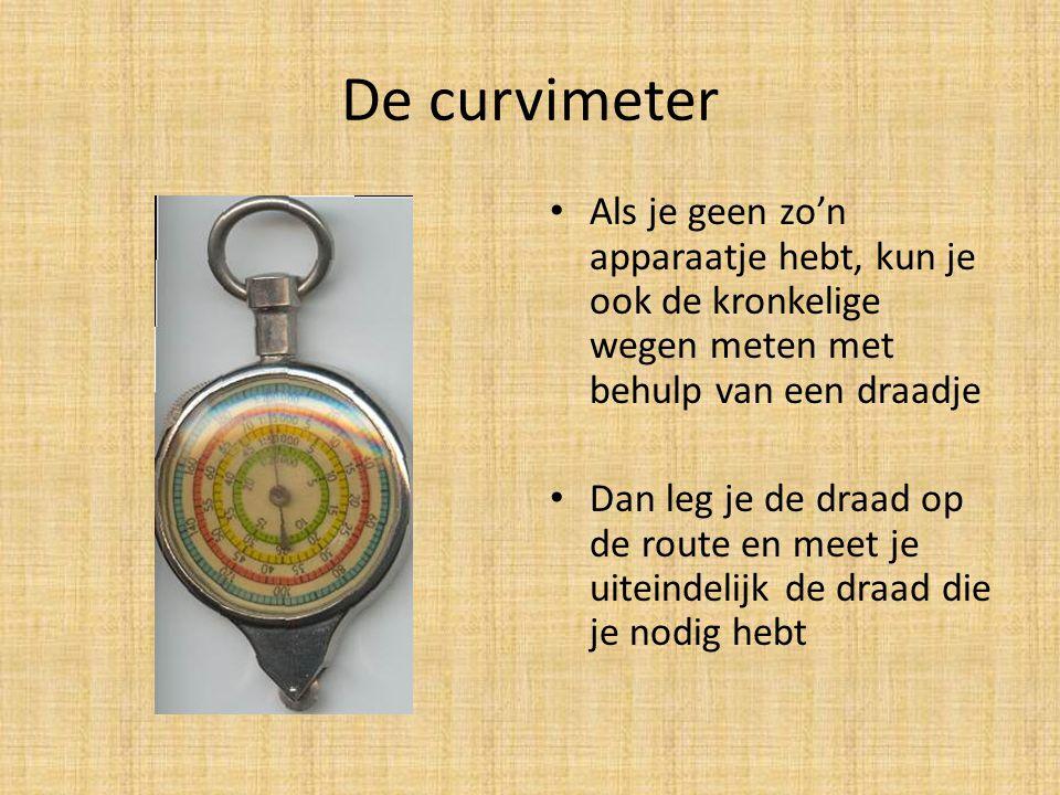 De curvimeter Als je geen zo'n apparaatje hebt, kun je ook de kronkelige wegen meten met behulp van een draadje.