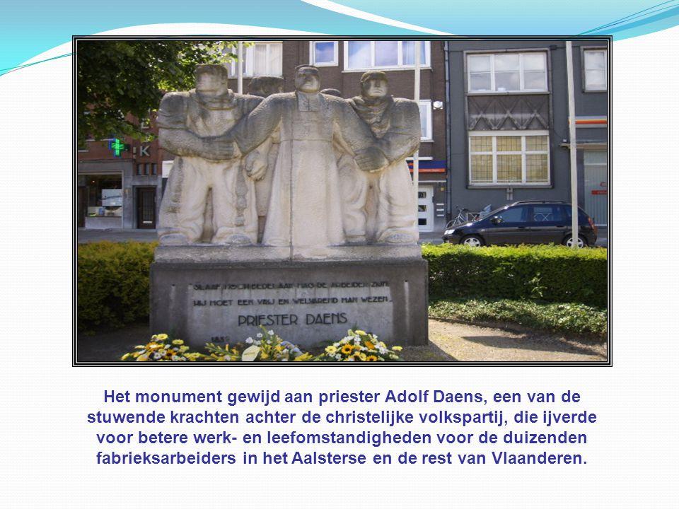 Het monument gewijd aan priester Adolf Daens, een van de
