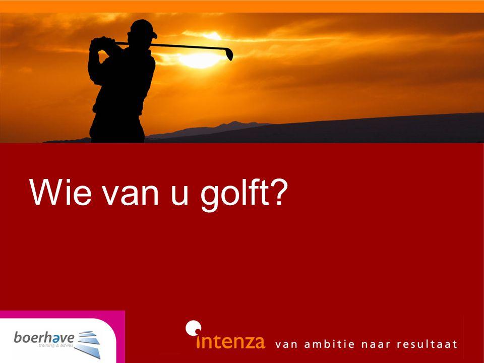 Wie van u golft Marc hier svp een mooi plaatje van een golfer die door de bal heen slaat
