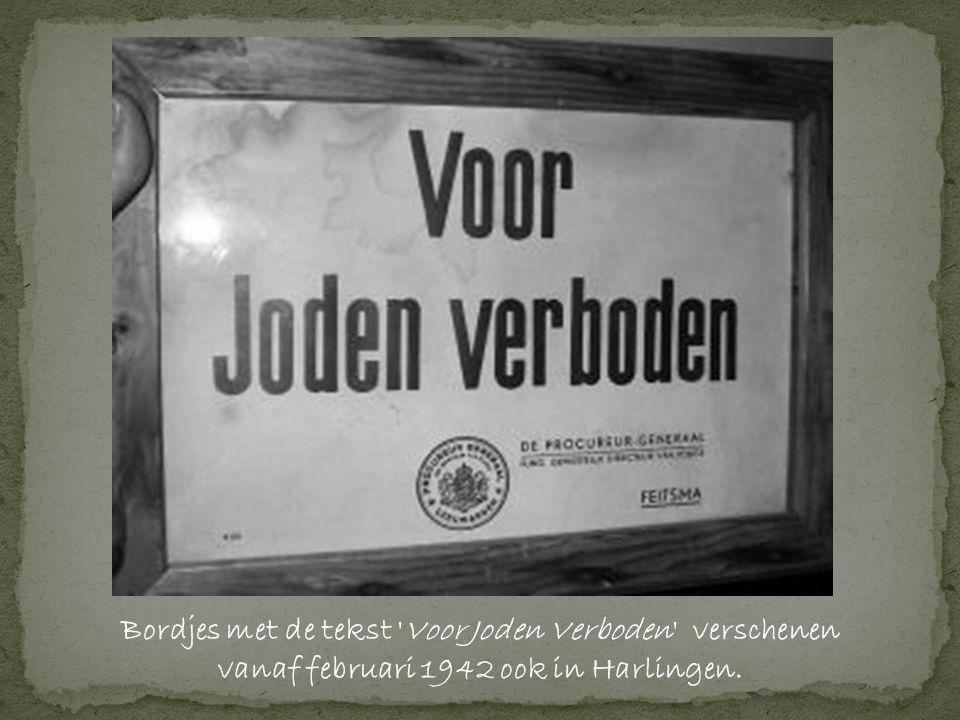 Bordjes met de tekst Voor Joden Verboden verschenen