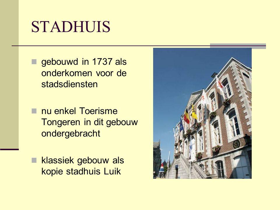 STADHUIS gebouwd in 1737 als onderkomen voor de stadsdiensten