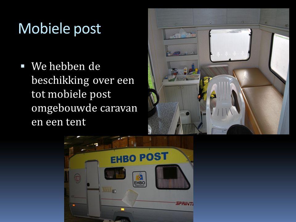 Mobiele post We hebben de beschikking over een tot mobiele post omgebouwde caravan en een tent
