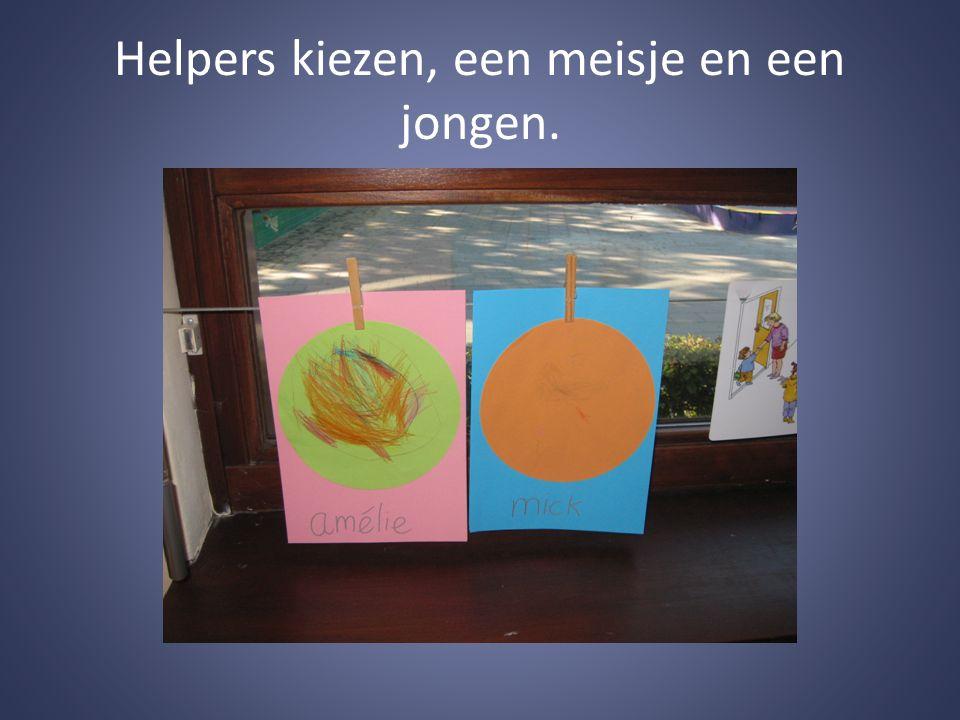 Helpers kiezen, een meisje en een jongen.