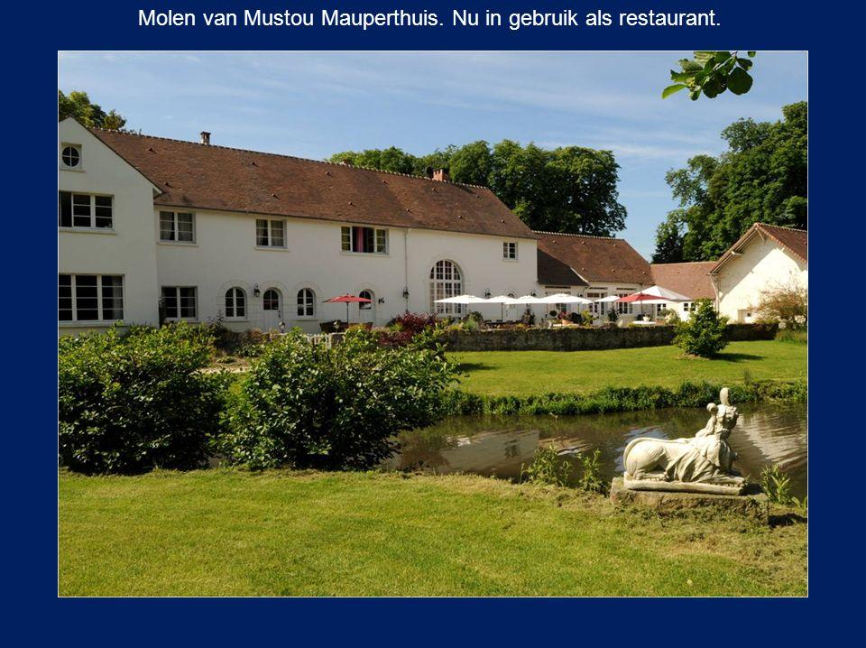 Molen van Mustou Mauperthuis. Nu in gebruik als restaurant.
