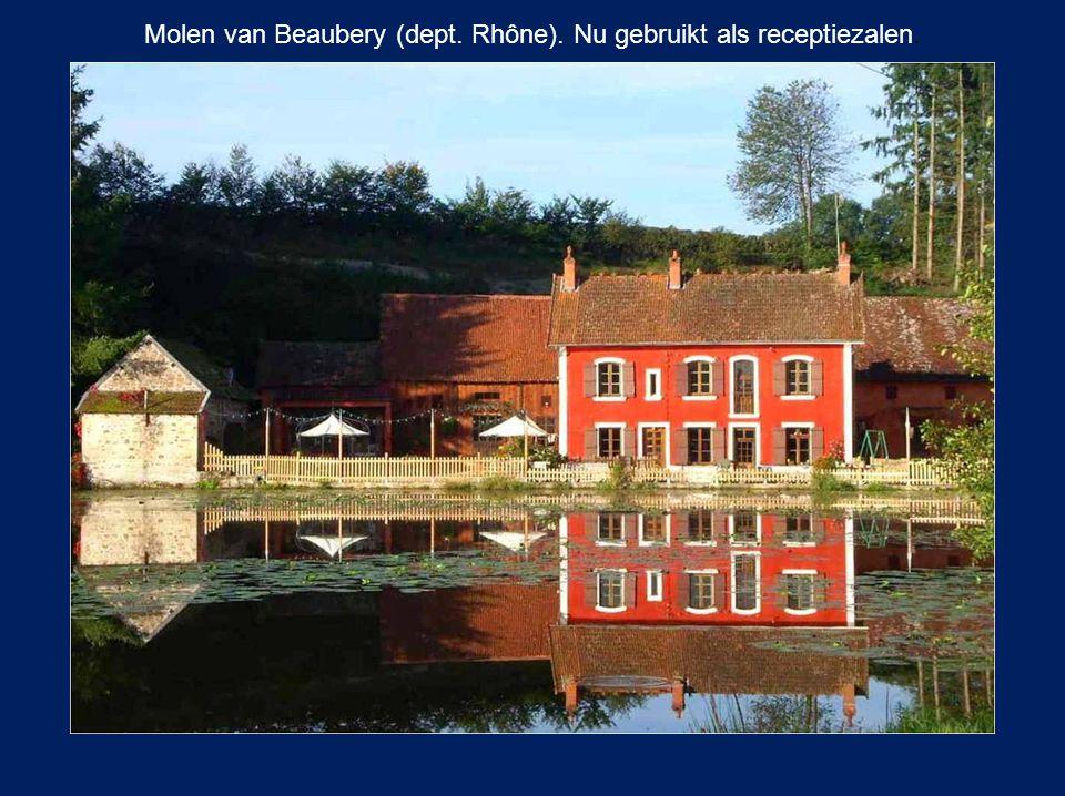 Molen van Beaubery (dept. Rhône). Nu gebruikt als receptiezalen.