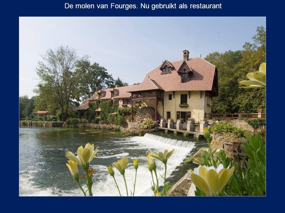 De molen van Fourges. Nu gebruikt als restaurant