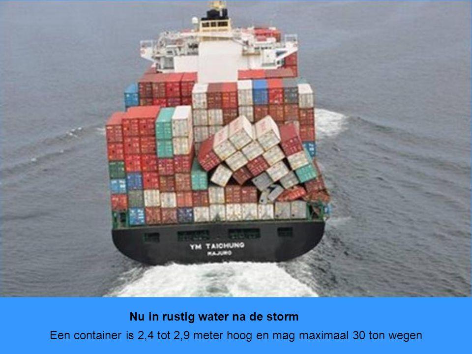 Een container is 2,4 tot 2,9 meter hoog en mag maximaal 30 ton wegen