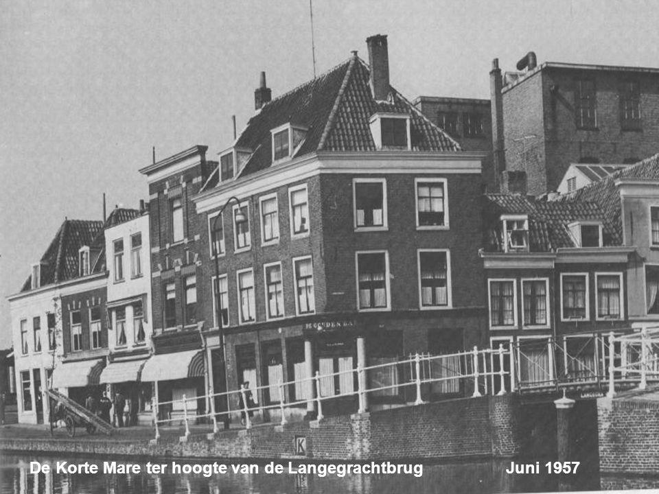 De Korte Mare ter hoogte van de Langegrachtbrug Juni 1957