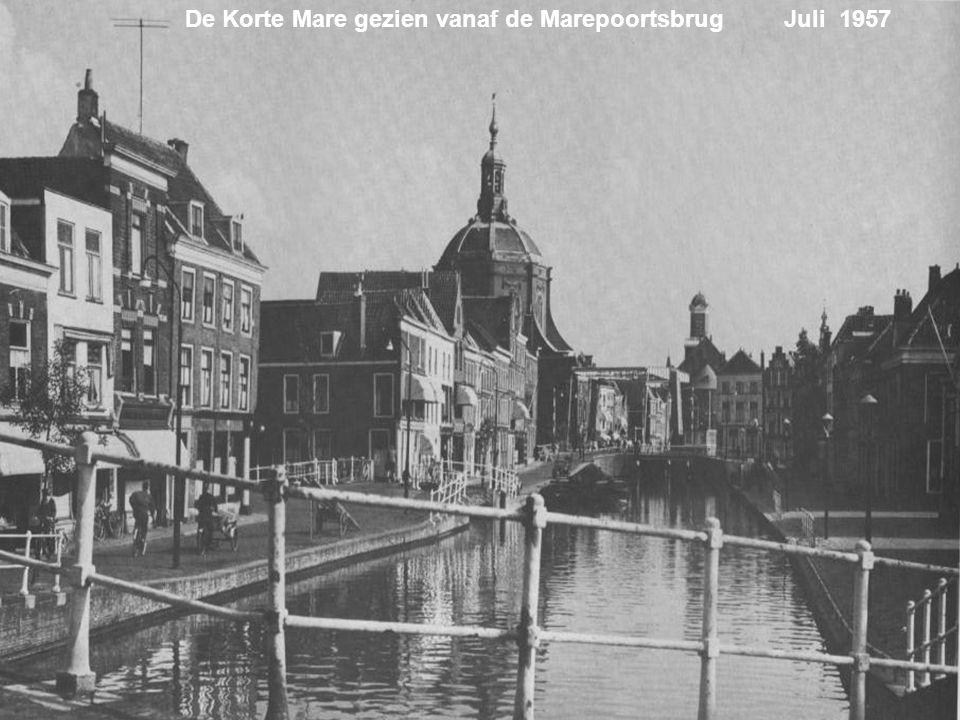 De Korte Mare gezien vanaf de Marepoortsbrug Juli 1957