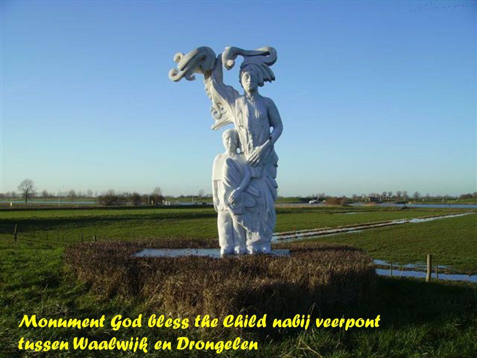 Monument God bless the Child nabij veerpont