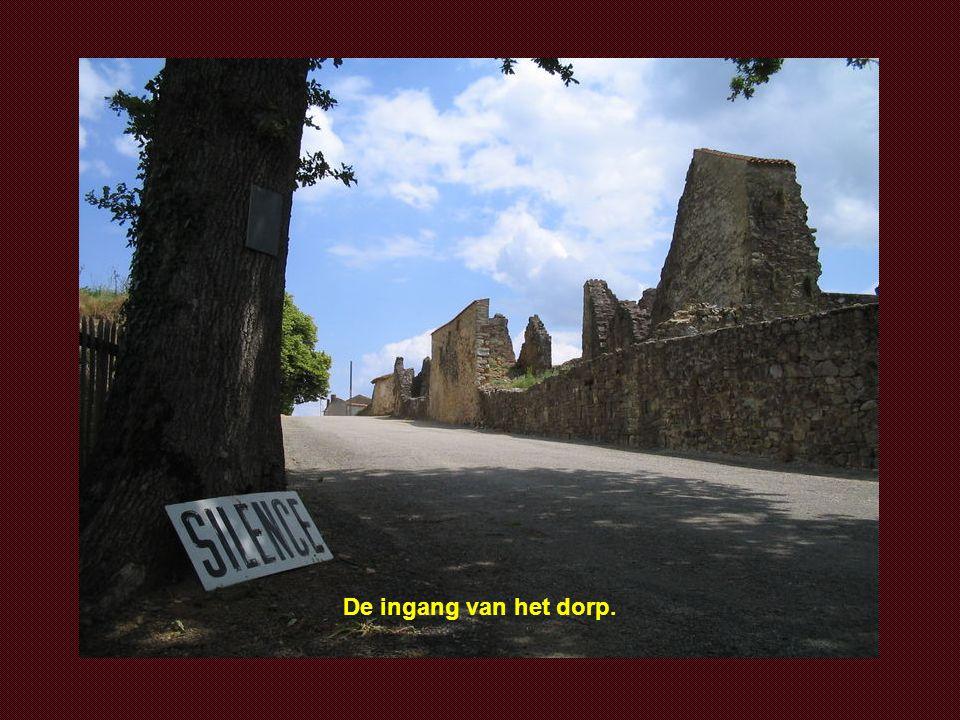 De ingang van het dorp.