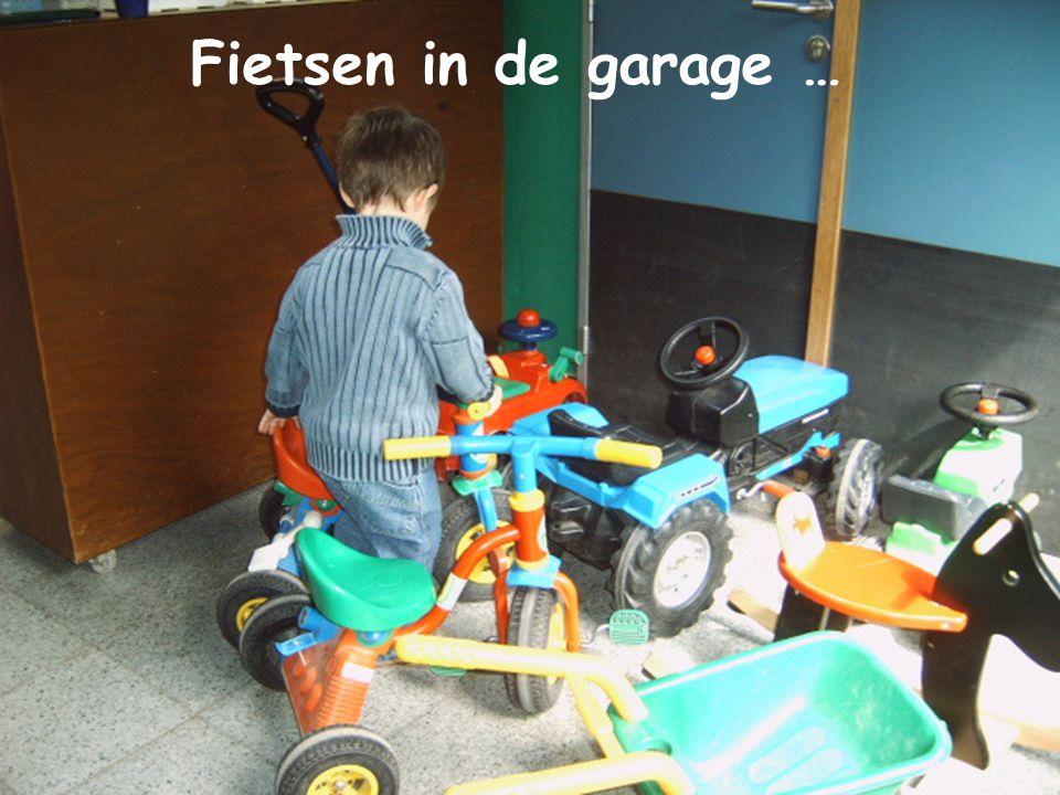 Fietsen in de garage … Opruimen…