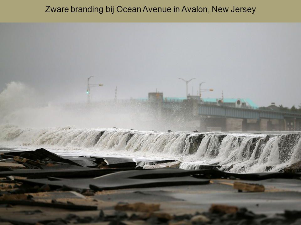 Zware branding bij Ocean Avenue in Avalon, New Jersey
