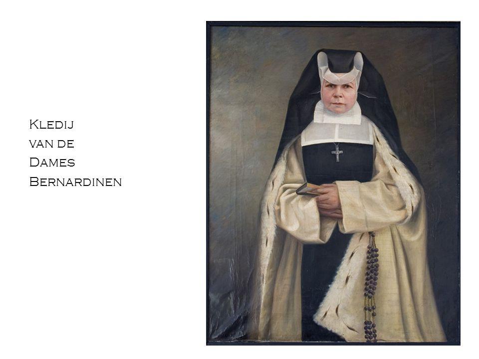 Kledij van de Dames Bernardinen