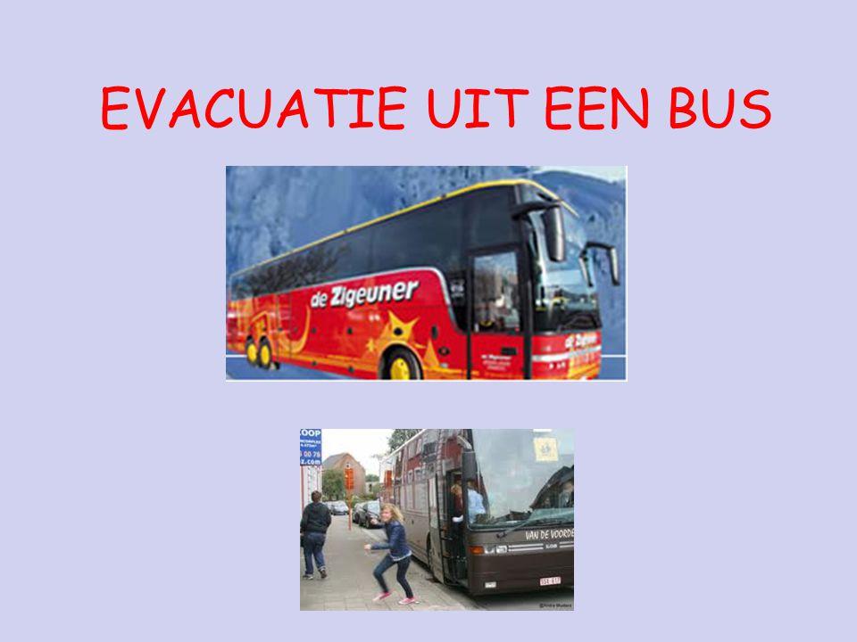 EVACUATIE UIT EEN BUS