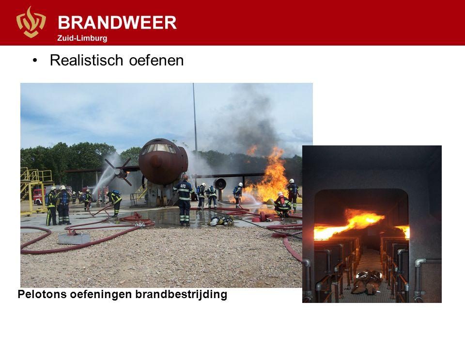 Realistisch oefenen Pelotons oefeningen brandbestrijding