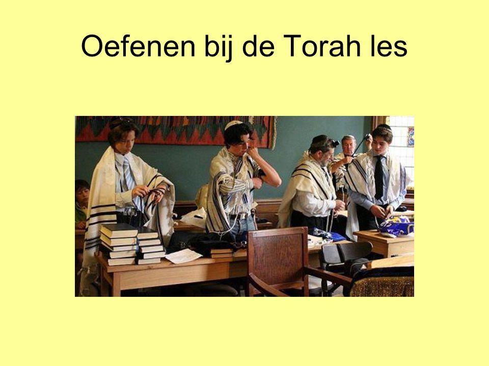 Oefenen bij de Torah les