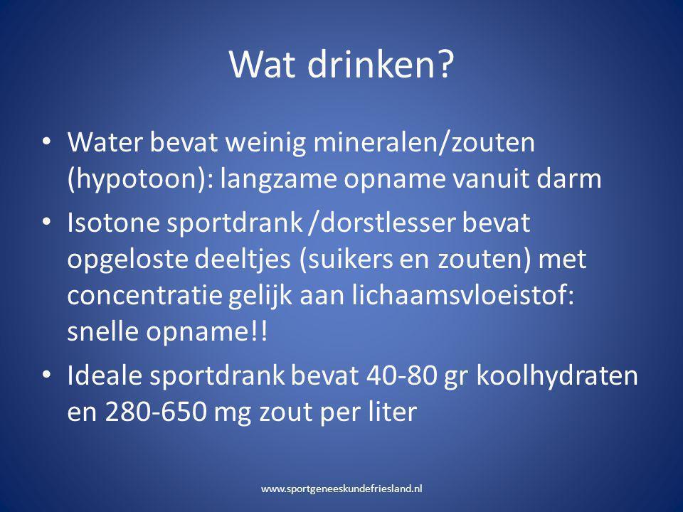 Wat drinken Water bevat weinig mineralen/zouten (hypotoon): langzame opname vanuit darm.