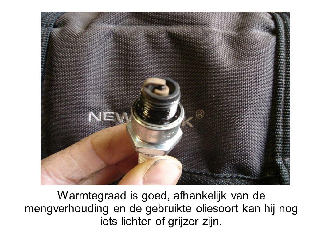 Warmtegraad is goed, afhankelijk van de mengverhouding en de gebruikte oliesoort kan hij nog iets lichter of grijzer zijn.