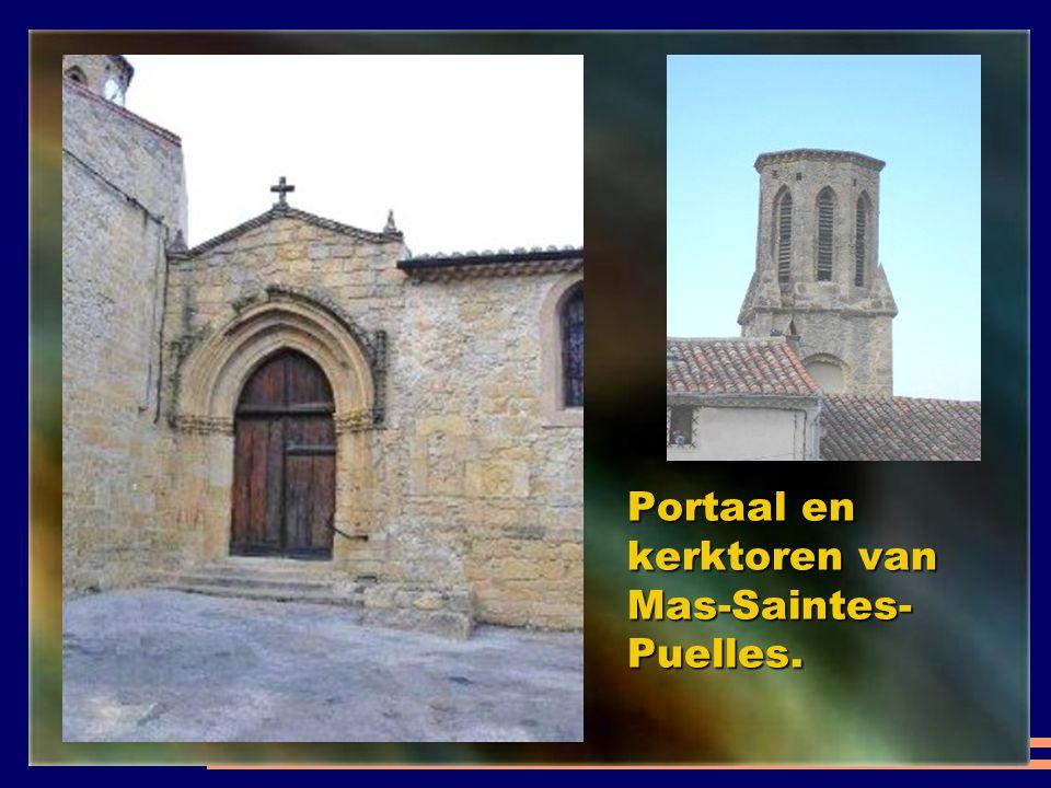 Portaal en kerktoren van Mas-Saintes-Puelles.