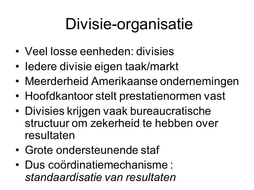 Divisie-organisatie Veel losse eenheden: divisies