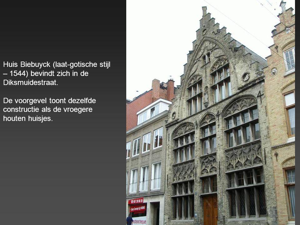 Huis Biebuyck (laat-gotische stijl – 1544) bevindt zich in de Diksmuidestraat.