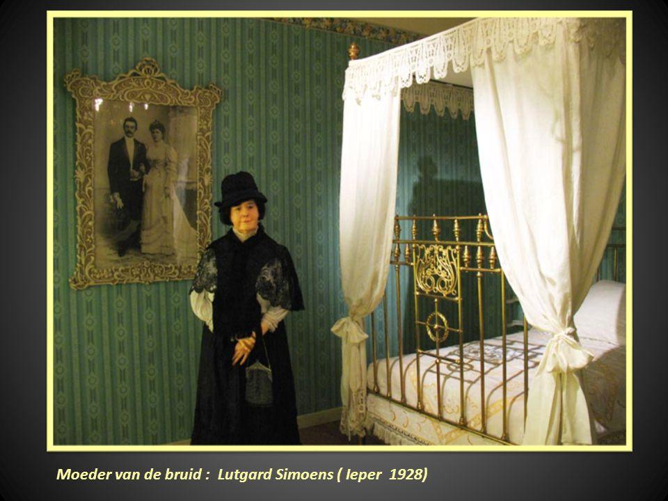 Moeder van de bruid : Lutgard Simoens ( Ieper 1928)