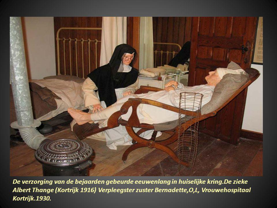 De verzorging van de bejaarden gebeurde eeuwenlang in huiselijke kring