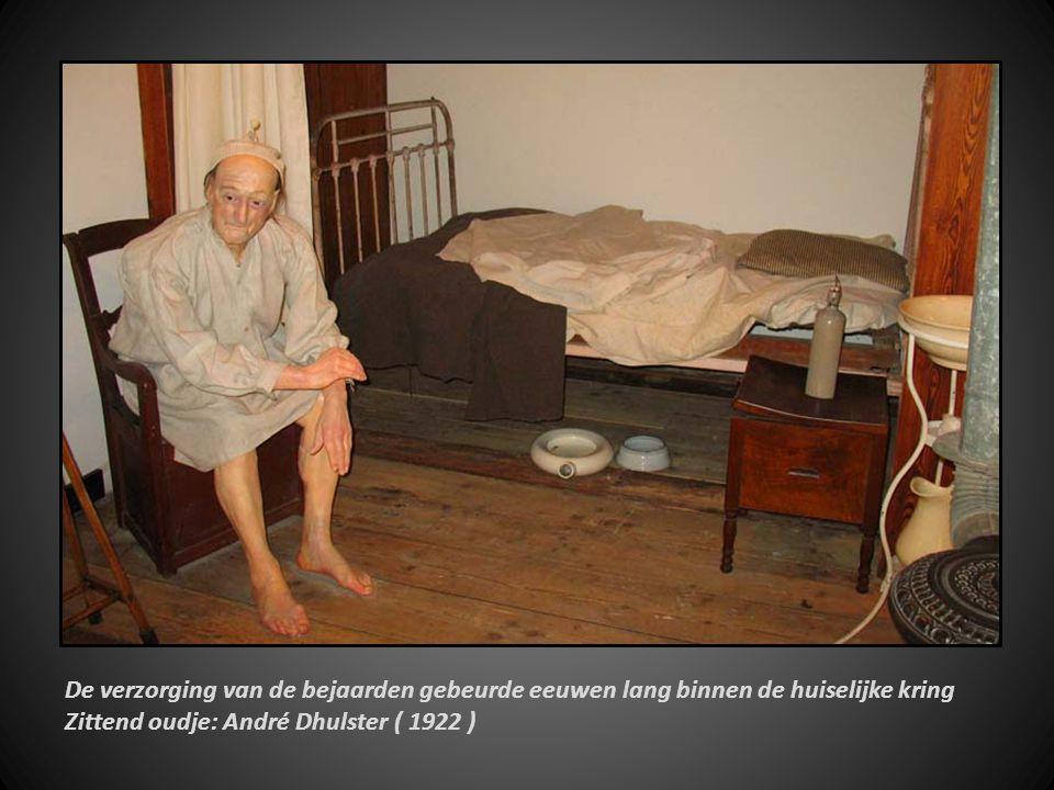 De verzorging van de bejaarden gebeurde eeuwen lang binnen de huiselijke kring