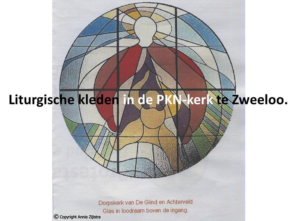 Liturgische kleden in de PKN-kerk te Zweeloo.