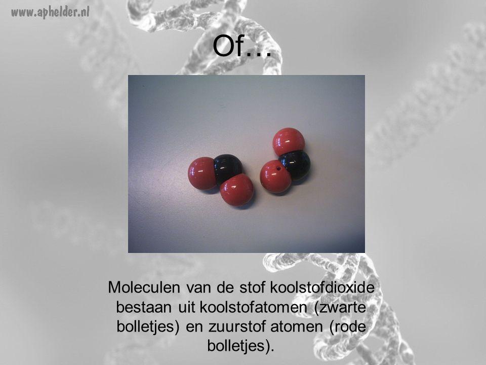 Of… Moleculen van de stof koolstofdioxide bestaan uit koolstofatomen (zwarte bolletjes) en zuurstof atomen (rode bolletjes).
